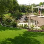 Gartentreppe und Terrasse